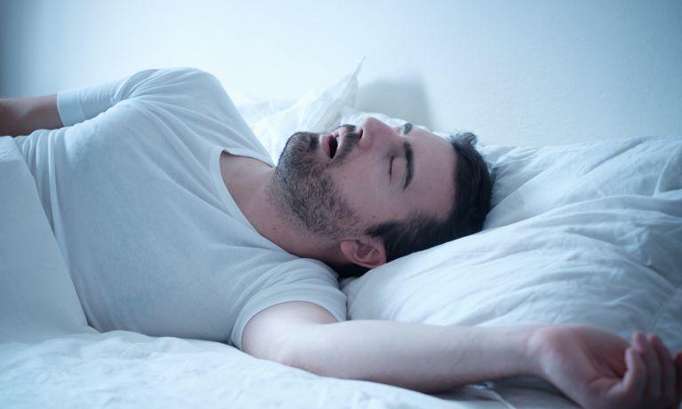 Ce este apneea de somn si cat de periculoasa poate fi